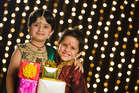 दीपावली पर दीजिए दोस्तों, रिश्तेदारों को ये सस्ते और खास गिफ्ट