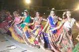 VIDEO: भव्य आतिशबाजी के साथ हुआ डांडिया-गरबा महोत्सव का समापन