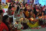 पत्नियों के व्रत के बाद भी दूसरे देशों के मुकाबले बहुत कम है 'भारतीय पतियों' की उम्र