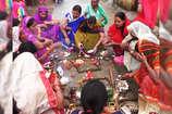 VIDEO: लौहनगरी में धूमधाम से मनाई गई गोवर्धन पूजा