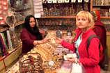 VIDEO: ऋषिकेश से गायब हुए पर्यटक, खाली पड़े बाजार