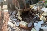 एटाः शराब माफियाओं से जब्त साढ़े तीन करोड़ों का अवैध शराब नष्ट किया गया