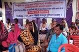 VIDEO: भूमाफियाओं से तंग आकर 20 दलित परिवारों का आमरण अनशन जारी