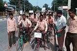 मतदाताओं को जागरूक करने के लिए छात्रों ने निकाली साइकिल रैली