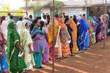 VIDEO: धमतरी की तीनों विधानसभा क्षेत्रों में मतदान जारी, वोटरों में उत्साह