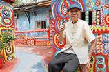 28 लाख लोगों के घर बचाने के लिए इस बुजुर्ग ने उठाया पेंट ब्रश