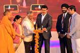 विदेश मंत्री सुषमा स्वराज व सीएम योगी ने की प्रवासी भारतीय दिवस की शुरुआत