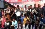 VIDEO: बुंदेलखंड को अलग राज्य बनाने की मांग को लेकर अनोखा प्रदर्शन