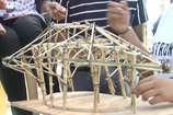 नागपुर से कोंडागांव आए आर्किटेक्ट के स्टूडेंट सिख रहे बेंबू से झोपड़ी बनाने की कला