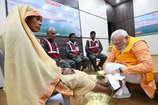 PM नरेन्द्र मोदी ने कोरबा की सफाईकर्मी ज्योति के धोए पांव, अब यहां सम्मान की तैयारी