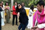 सुष्मिता सेन ने दुल्हन के साथ किया डांस, वीडियो वायरल