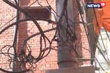 VIDEO: रामपुर बाजार में दौड़ रहा है बिजली का खतरा, करंट लगने का अंदेशा