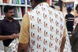 VIDEO: मार्केट में धूम मचा रही राहुल गांधी और प्रधानमंत्री नरेंद्र मोदी की जैकेट