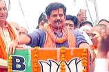 सीएम योगी से आशीर्वाद लेकर रवि किशन ने विपक्ष के लिए कही ये बात...