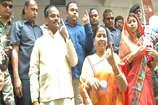 सीएम रघुवर दास ने पूरे परिवार के साथ किया मतदान, बोले- देश का मतदाता एनडीए के साथ