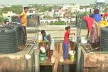 देखिए रायपुर की हकीकत... यहां 5 रुपए में बिक रहा एक बाल्टी पानी