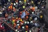 मुंबई बिल्डिंग हादसे में अब तक 10 की मौत, कई लोग अब भी दबे