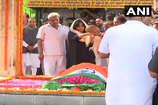 अंतिम संस्कार में सुषमा को क्यों पहनाई गई हरे रंग की साड़ी