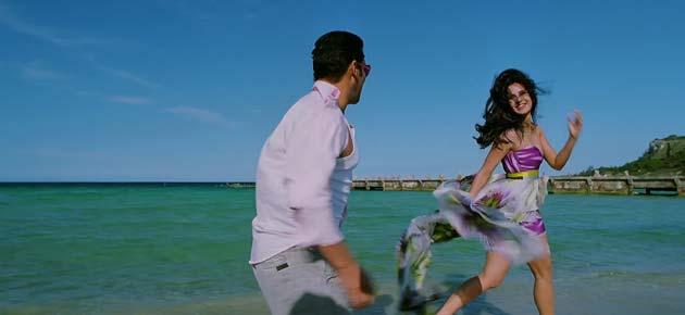 यशराज फिल्म्स के बैनर तले बनी इस फिल्म का निर्देशन कबीर खान ने किया है।