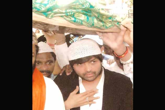 अंजुमन शेखजादगान के सह सचिव एस नसीम अहमद चिश्ती ने कहा कि ख्वाजा साहब का दरबार सभी 36 कौमों के लिए खुला है।<br />(तस्वीर-हिमेश रेशमिया)