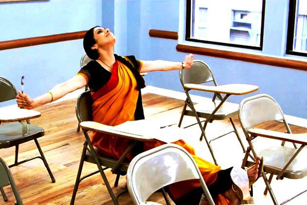 गौरी शिंदे की फिल्म इंग्लिश विंग्लिश से श्रीदेवी पर्दे पर वापसी कर रही हैं।