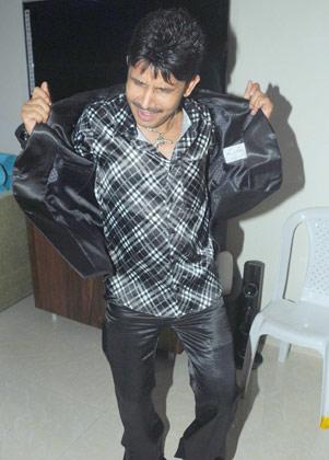 देशद्रोही फिल्म के एक्टर कमाल खान 'बिग बॉस' सीजन-3 में भी नजर आए थे।