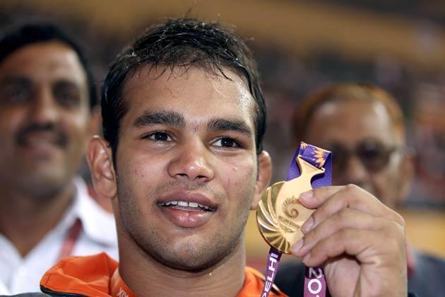 नरसिंह यादव ने 2010 कॉमनवेल्थ गेम्स में कुश्ती(74 किग्रा फ्री-स्टाइल) में गोल्ड मेडल जीतकर अपना लोहा मनवाया था।