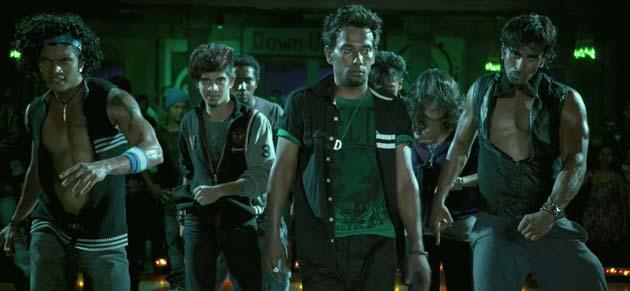 डांस इंडिया डांस से मशहूर हुए धर्मेश तीस मार खां को भी कोरियोग्राफ कर चुके हैं।