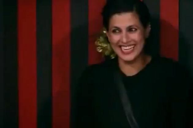 मॉडल और अभिनेत्री करिश्मा कोटक रियलिटी शो 'बिग बास -6' से बाहर हो गई हैं। करिश्मा के बेघर होने पर घर का हर सदस्य दुखी और उदास था।