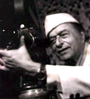 भारतीय फिल्म निर्माता वी शांताराम।