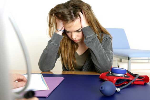 <b>तनाव से दूर रहें:</b> मोटापा कम करने के लिए आपको शारीरिक रूप से ही नहीं बल्कि मानसिक रूप से भी स्वस्थ रहना होगा। अगर आप मोटापा कम कर रहे हैं तो आप तनाव से बिल्कुल दूर रहें। छोटी-छोटी टेंशन को अपने से दूर रखें।<br /><br/><div id='first' style='display:none;'></div><div id='second' style='display:none;'></div>