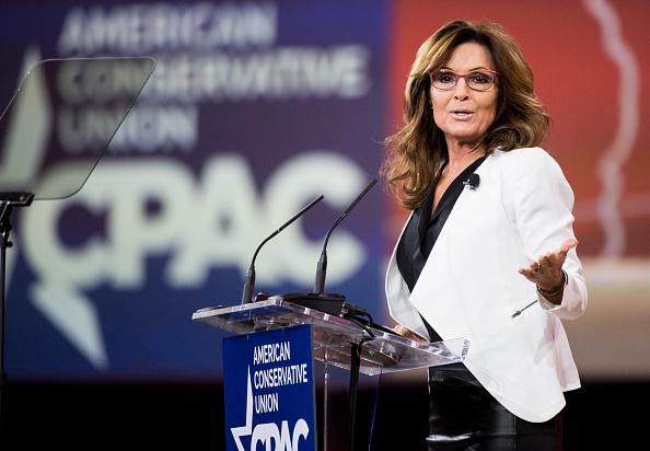 सारा पलीन- सारा अमेरिका के सबसे खूबसूरत महिला राजनीतिज्ञों में से एक मानी जाती हैं। वो अलास्का की गर्वनर भी रह चुकी हैं।