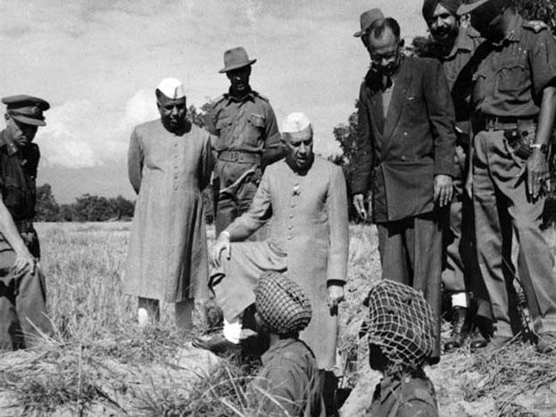 रॉ का गठन 1962 के भारत-चीन युद्ध और 1965 के भारत-पाकिस्तान युद्ध के बाद किया गया. इंदिरा गांधी सरकार ने भारत में एक खुफिया एजेंसी की जरूरत को महसूस किया.