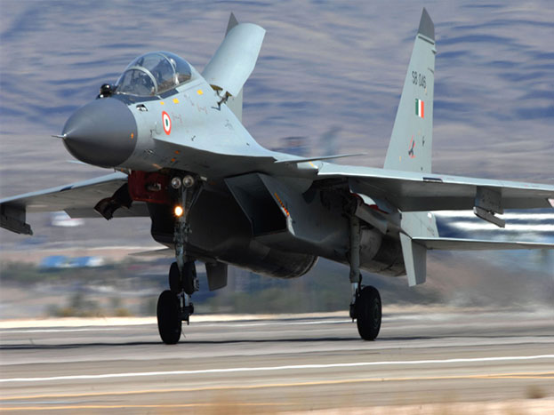 Su-30Mki-लड़ाकू विमानः अब तक का सबसे शानदार एयरक्राफ्ट जिसे वायुसेना की क्रीम भी कहा जाता है. रूस की मदद से बना ये फाइटर जेट किसी भी मौसम में मार करने की क्षमता रखता है. आज की तारीख में एयरफोर्स के पास 200 से ज्यादा सुखोई -30 विमान हैं जो 2100 किलोमीटर प्रति घंटे की रफ्तार से उड़ सकता है. इसमें 30 एमएम की गन के साथ हवा से हवा, हवा से जमीन और एंटीशिप मिसाइलें लगी हुई हैं. इसके अलवा इसमें 6 तरह के बम फिट किए जा सकते हैं.