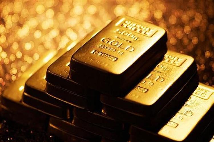 सोना: सोने की कीमत 280 यूरो प्रति 10 ग्राम है. साल 2011 में सोना 373 यूरो की कीमत तक पहुंच गया था.