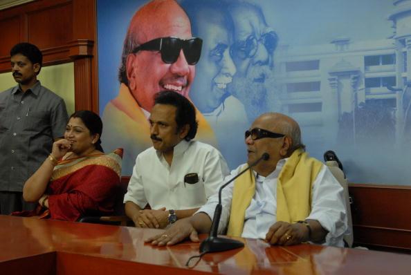 Actor Khushboo joins DMK