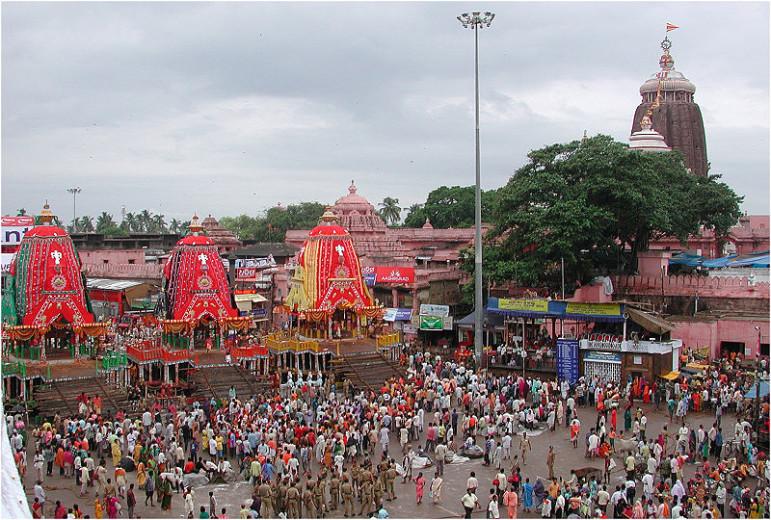 मंदिर की परछाई- कहा जाता है कि जगन्नाथ पुरी मंदिर की परछाई दिन के किसी भी समय, किसी भी दिशा में नहीं दिखाई देती।