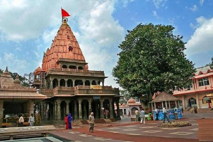 1235 में इल्तुत्मिश के द्वारा इस प्राचीन मंदिर का विध्वंस किए जाने के बाद से यहां जो भी शासक रहे, उन्होंने ही इस मंदिर का दोबारा सौन्दर्यीकरण कराया.