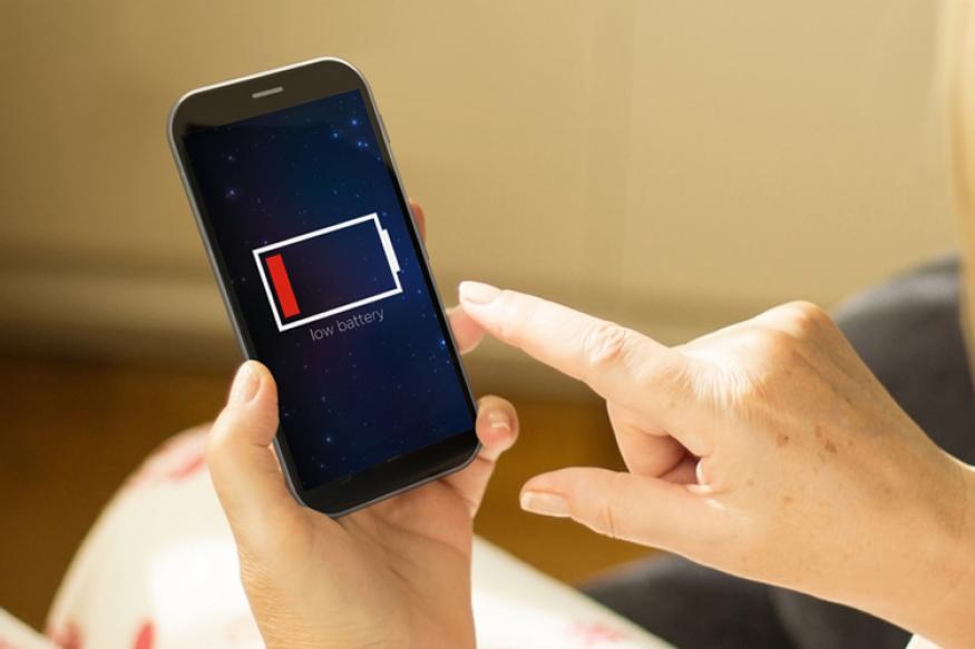 अगर आप अपने फोन की बैटरी लाइफ और डेटा बचाना चाहते हैं तो आपको बस अपने स्मार्टफोन में इन सेटिंग्स को ऑफ करना है.