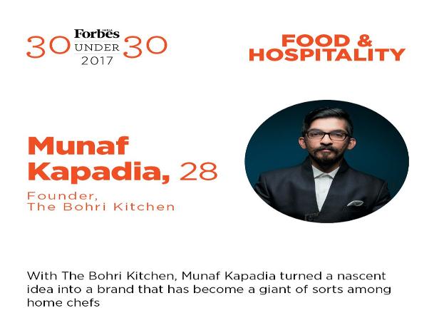 """देशभर में हो गए मशहूर:मुनाफ का द बोहरी किचन न सिर्फ मुंबई बल्कि देशभर में मशहूर है. उनके रेस्तरां का सबसे बेहतरीन, लजीज और मशहूर फूड आइटम मटन समोसा माना जाता है। मगर द बोहरी किचन सिर्फ मटन समोसा के लिए ही मशहूर नहीं है, नरगिस कबाब, डब्बा गोश्त, करी चावल समेत ऐसी कई डिशेज हैं जिनके लिए भी """"द बोहरी किचन"""" मशहूर है. कीमा समोसा के अलावा मटन रान भी रेस्तरां का एक मशहूर और लजीज खाना है."""