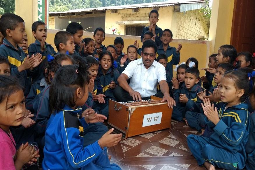 teacher dhoundiyal