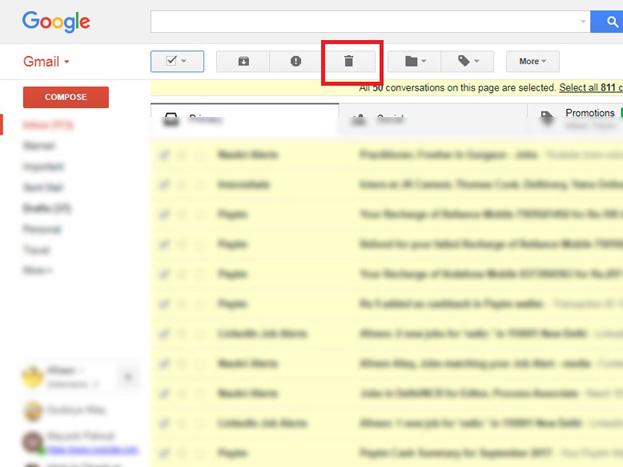 अब जब सारे इमेल सेलेक्ट हो गए हैं, तब ऊपर बने Delete आईकन पर क्लिक करने पर सारे ईमेल डिलीट हो जाएंगे.