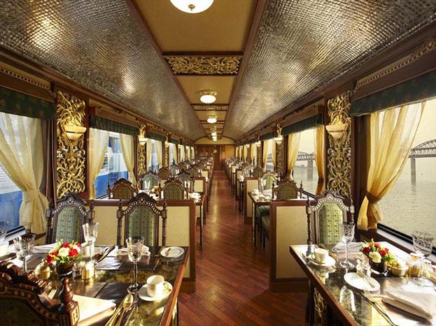 दुनिया के सबसे बड़े रेल नेटवर्क में से एक भारतीय रेलवे कई मायनों में मिसाल बना हुआ है. चाहे फिर वह सबसे ज्यादा इम्प्लॉइज वाले संस्थानों में से एक हो या फिर सर्वाधिक पैसेंजर्स को लाने ले जाने वाली ट्रेनों का रेलवे नेटवर्क हो. सभी में इंडियन रेलवे आगे है.
