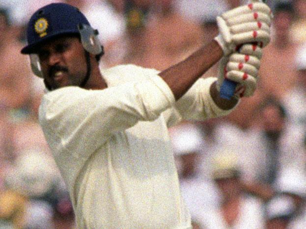 कपिल देव को भी 1994 में फरीदाबाद में आखिरी वनडे खेलना पड़ा. हरियाणा के कपिल देव का भले ही ये विदाई मैच नहीं था लेकिन मजबूरी में यही उनका आखिरी मैच साबित हुआ.