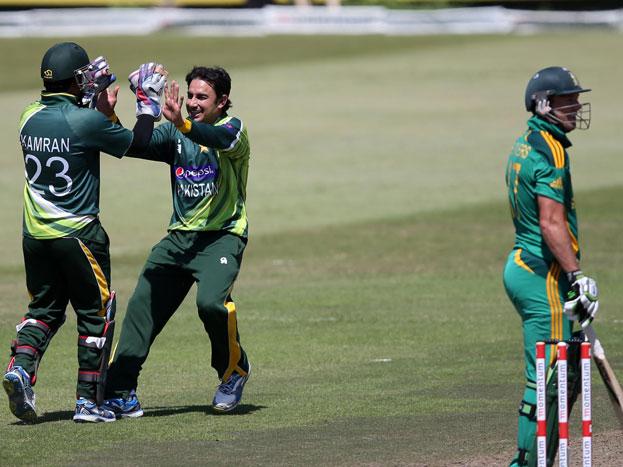 साउथ अफ्रीका के खिलाफ 26 रन पर 4 विकेट: टी20 क्रिकेट की बात हो तो पाकिस्तानी टीम दुनिया की बेस्ट टीम है. पाकिस्तान ने एक टी20 वर्ल्ड कप जीता, एक बार फाइनल्स तक आए और 2014 के अलावा हर बार सेमीफाइनल तक पहुंचे. इन उपलब्धियों के पीछे अजमल का बड़ा योगदान रहा. अजमल की बेस्ट वर्ल्ड टी20 परफॉर्मेंस साउथ अफ्रीका के खिलाफ रही. उन्होंने 26 रन देकर 4 विकेट चटकाए. उन्होंने कालिस, डिविलियर्स, बाउचर और बोथा के विकेट लिए और 148 रन का बचाव कर रही पाक टीम की जीत हुई.