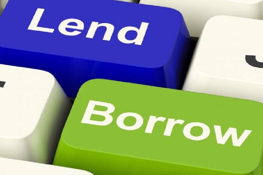 आपको होंगी ये परेशानियां:एक बार जब आप लोन डिफॉल्टर की कैटेगरी में आ जाते हैं, तो बैंक आपकी प्रॉपर्टी को अपने कब्जे में लेने का प्रोसेस शुरू कर देता है. बैंक आपकी प्रॉपर्टी को कब्जे में लेने के बाद लोन की रकम निकालने के लिए प्रॉपर्टी की नीलामी करता है. ऐसा होने पर न सिर्फ आपका क्रेडिट स्कोर खराब हो जाता है, बल्कि इसके बाद भविष्य में किसी बैंक से लोन लेना आपके लिए मुश्किल हो जाता है.