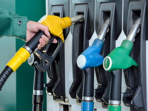 (6) कतर में एक लीटर पेट्रोल 30.18 रुपये में बेचा जा रहा है.