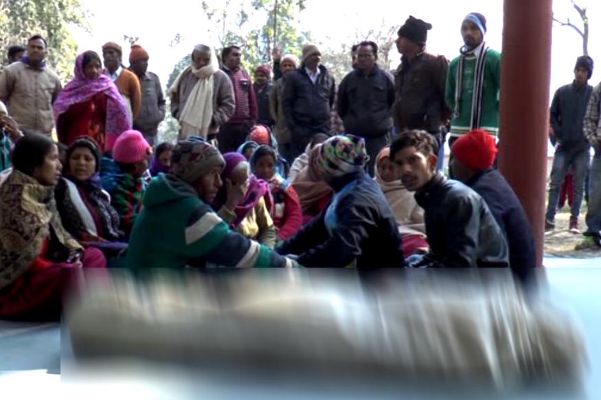 Image result for बच्ची की तलाश में पुलिस स्टेशन पहुंचे परिजनों को लौटाया