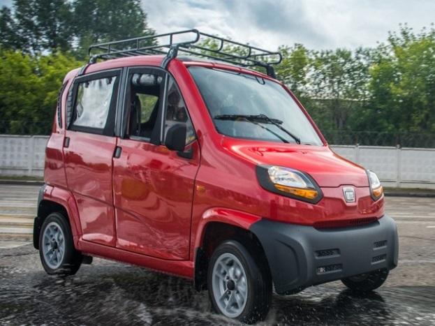 बजाज क्यूट में 216.6 cc का पेट्रोल इंजन लगा है, जो CNG के साथ-साथ LPG कैंपेटिबल भी है. यह इंजन कार को 13.2 PS का पावर देता है. कार की टॉप स्पीड 70 किमी प्रति घंटे की है.