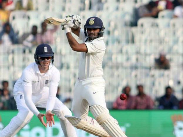 आॅलराउंडर के रूप में केपटाउन टेस्ट में दमदार प्रदर्शन करने वाले हार्दिक पंड्या की जगह सुनिश्चित है.जबकि रिद्वमान साहा की जगह पार्थिव पटेल को विकेटकीपर की जिम्मेदारी मिल सकती है. पार्थिव को साहा की अपेक्षा बेहतर बल्लेबाज़ माना जाता है.